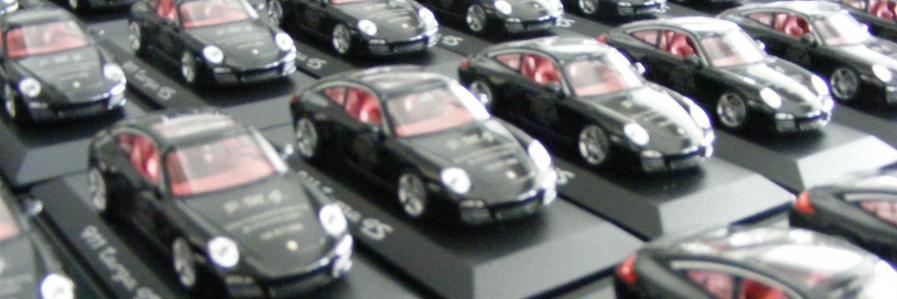 Laserbeschriftung auf Modellauto